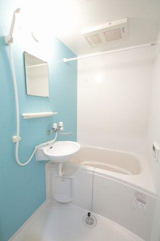 オシャレなバスルームです。