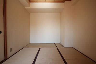 【寝室】ビーハイヴ泉