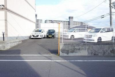 【駐車場】トリヴァンベール桜井