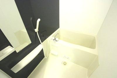 くつろげるバスルーム コートヤード