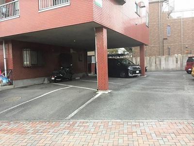 【駐車場】ベルフラワーマンション