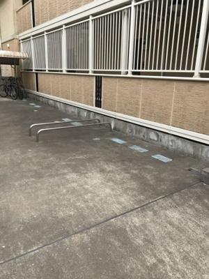 敷地内にバイク置き場を完備しています!バイクがあれば通勤・通学、お買い物にも便利です☆