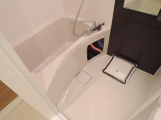 【浴室】アイボリーポワント難波WEST
