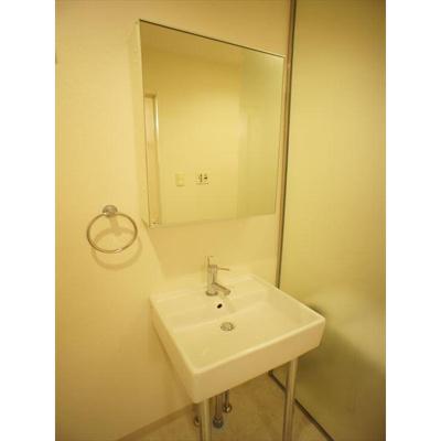 Casa.avirioの洗面所