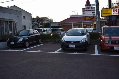 【駐車場】ブルーメンハウス