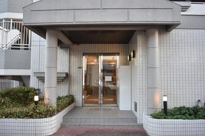 【エントランス】ブルーメンハウス