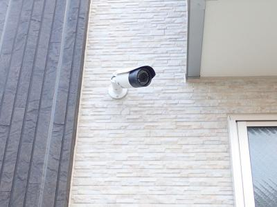 共用エントランスにある防犯カメラです!夜遅くに帰宅する時も、お出かけ時でも安心ですね♪