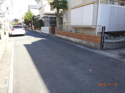 【前面道路含む現地写真】鴻巣市上谷 中古一戸建て