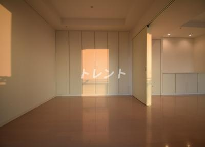 【寝室】カテリーナ三田タワースイート