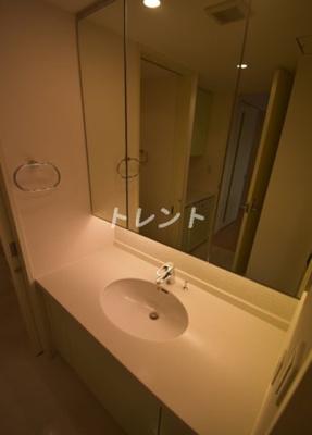 【独立洗面台】カテリーナ三田タワースイート