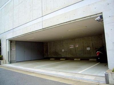 プライムアーバン恵比寿の駐車場