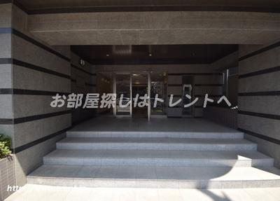 【エントランス】ロータリーパレス春日安藤坂