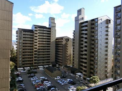【現地写真】 8F高層階からの眺望をお楽しみ下さい♪周りに高い建物はございません♪