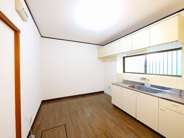 キッチン広めの居間です
