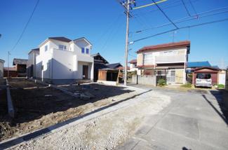 現地(2018年12月)撮影 2号棟は東側幅員約2.09~2.34mの市道に面しています。