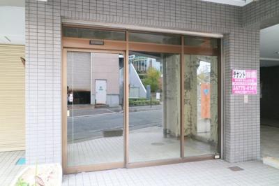 【エントランス】アンリハイツ1階店舗