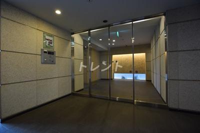 【エントランス】オープンレジデンシア神楽坂