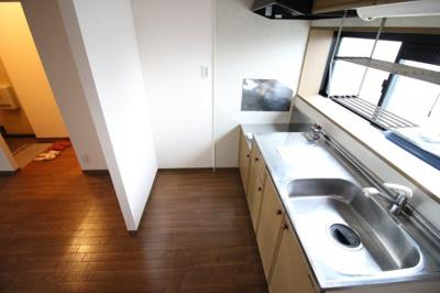 【キッチン】ニューリバーサイド八尾南 B棟