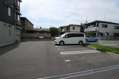 【駐車場】ブランシェメゾン