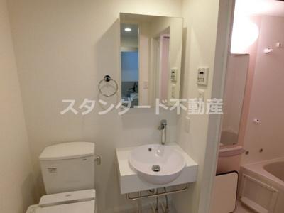 【独立洗面台】セレニテ福島カルム