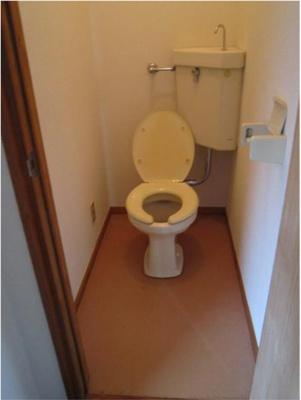 ハウス篠崎10号棟のトイレもきれいです☆