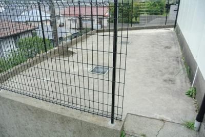 駐輪スペースを完備しています!自転車はちょっとした移動手段に便利ですよね☆