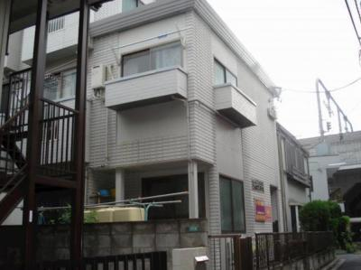 ジュネス千川の外はこのようになっています☆