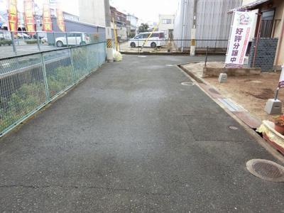 【現地写真】東向きの土地となっております♪前面道路4.7メートルございます♪