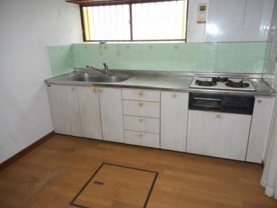【キッチン】【中古戸建】東中学校区・54034