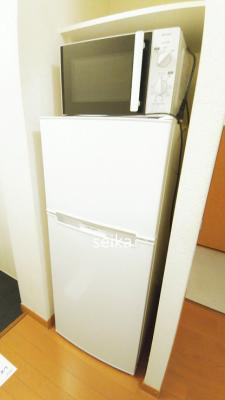 階段脇の収納スペース
