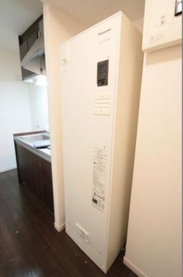 電気温水器 夜間の電気で温水をつくるので経済的です サン・コンフォール
