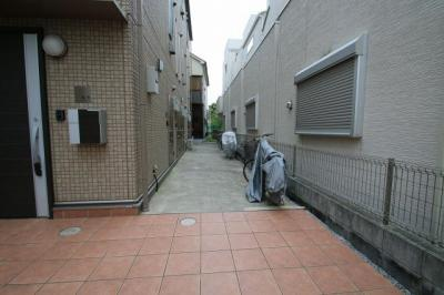 駐輪スペース(各世帯1台) サン・コンフォール