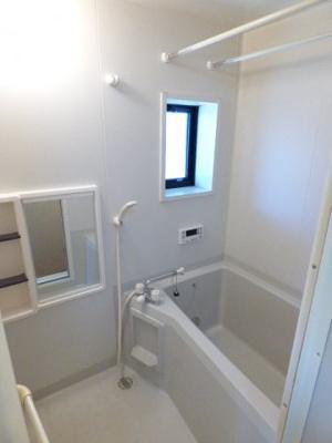 【浴室】ルーブルハウスA