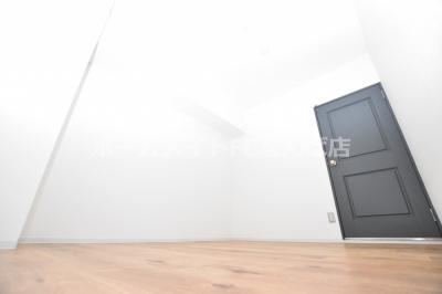 【洋室】ウエストリヴィエール