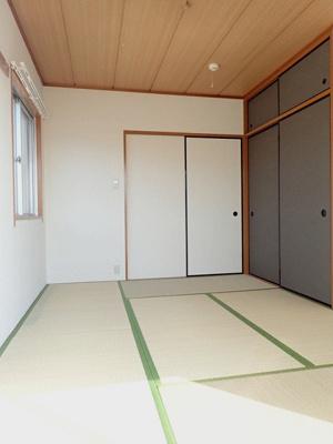 天袋付き押入れのある南西向き和室6帖のお部屋です!赤ちゃんのごろごろやハイハイはやっぱり和室がよかったりします♪