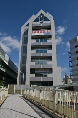【外観】堺東から10分!12.4坪 店舗事務所! 堺インター目の前!角地ビル!