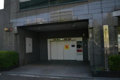 【駐車場】堺東から10分!12.4坪 店舗事務所! 堺インター目の前!角地ビル!