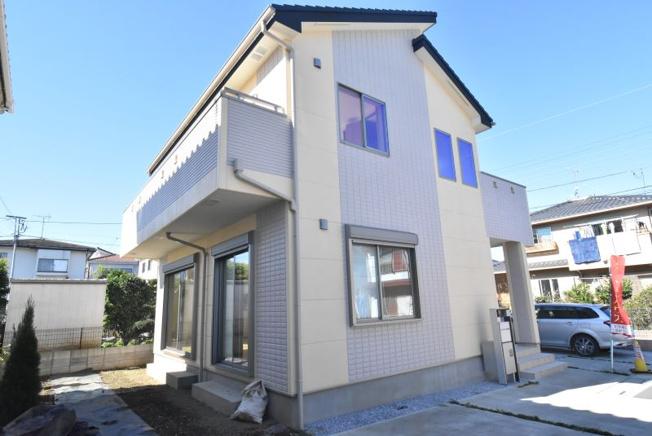 (南側外観)旭化成へーベルパワーボード外壁は耐久性・断熱性・耐火性・遮音性に優れたALC外壁材で、快適な暮らしを支えます。