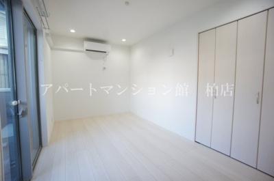 【洋室】サフィニア柏