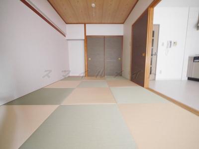 お洒落な琉球畳の和室です。