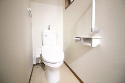 トイレは各階にあるので、わざわざ違う階まで行かずにすみます。特に夜中などは助かります。