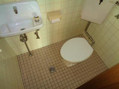 【トイレ】ファミリア87 店舗