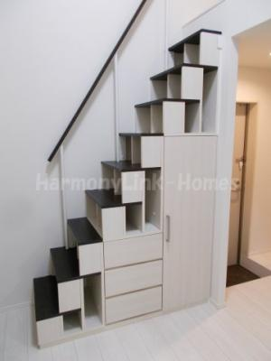 プランドルアムール志茂の小物を収納するのに便利です(収納付階段)☆
