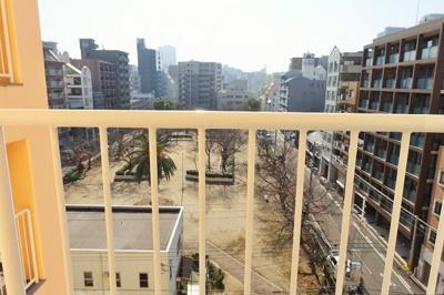 LDKの窓からは滝川公園が一望出来ます