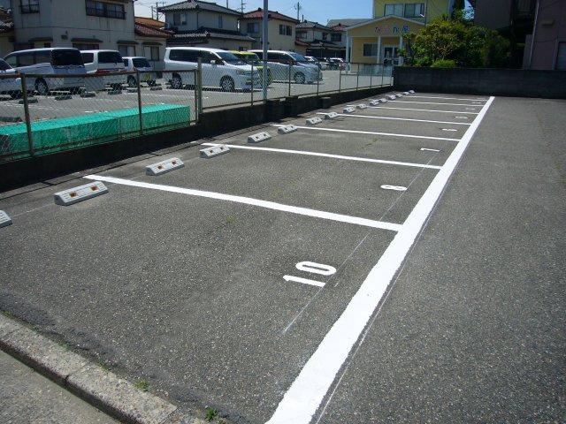 掘割駐車場