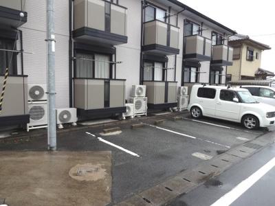 【駐車場】セジュール春日