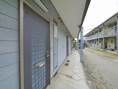 毎日通る玄関周りはこのようになっています
