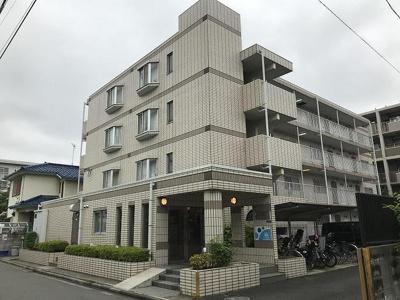 東横線「元住吉」駅より徒歩6分!鉄筋コンクリートの4階建てマンションです♪通勤通学はもちろん、お買い物やお出かけにもGood☆