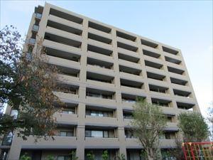 【現地写真】 鉄筋コンクリート造9階建て♪ 総戸数45戸♪