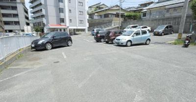 【駐車場】生野ハイライフマンション